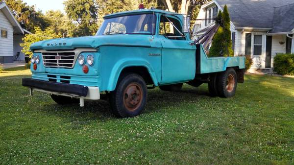 1963-Dodge-D300-wrecker-3qtr