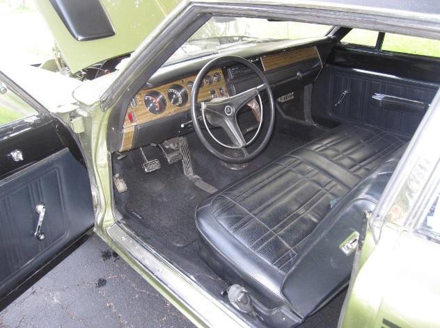 1970-Dodge-Super-Bee-interior