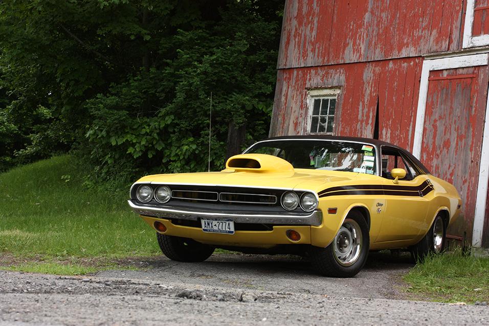 1971-Dodge-Challenger-RT-front