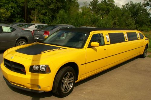Dodge-Charger-Limo