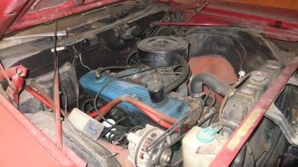 1969-Plymouth-Fury-III-engine