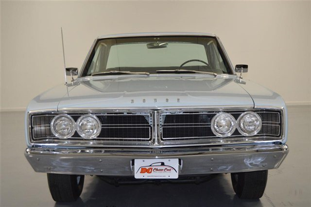 1966-Dodge-Hemi-Coronet-front