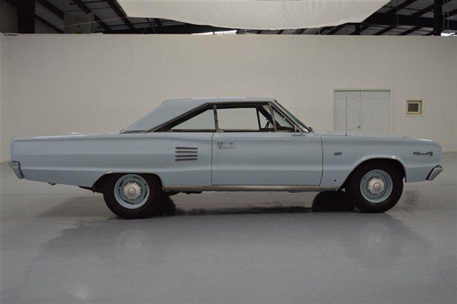 1966-Dodge-Hemi-Coronet-side