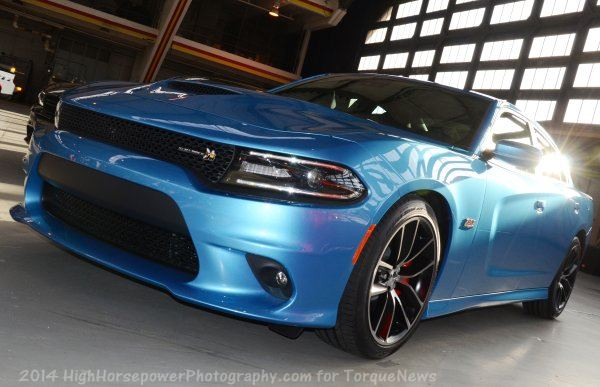 2015-Dodge-Charger-Scat-Pack-3qtr