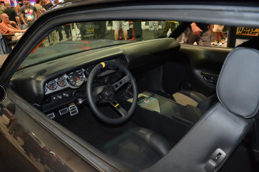 Plymouth-Cuda-Auto-Meter-SEMA-2014-1