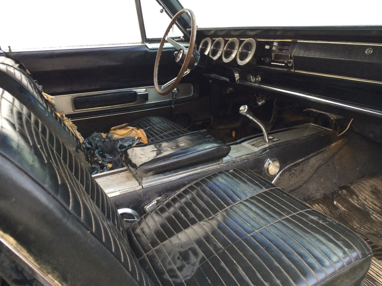1966-Dodge-Charger-interior