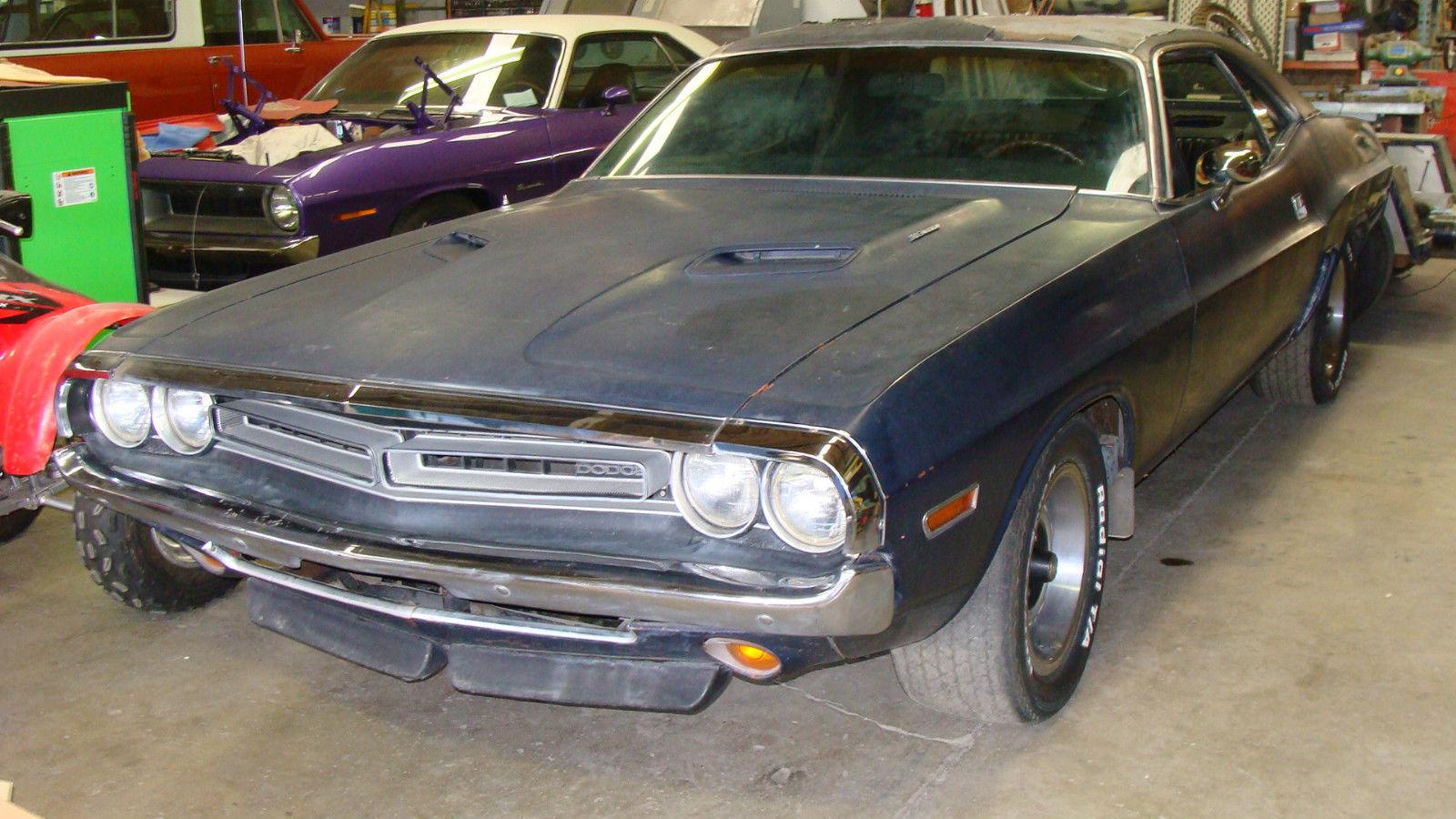 1970-Dodge-Challenger-3qtr