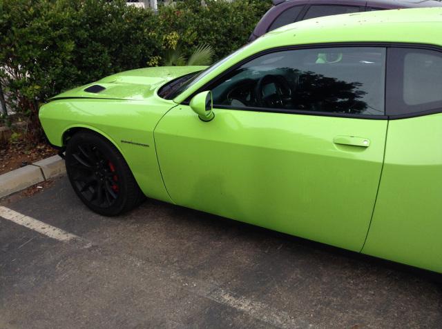 2015-Dodge-Challenger-Hellcat-side