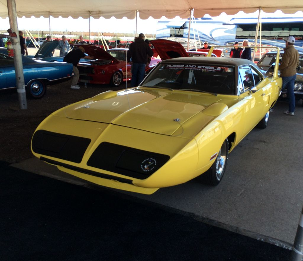 1970-Plymouth-Superbird-Hemi-Russo-Steele