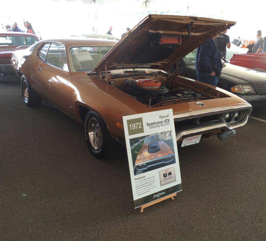 1972-Plymouth-GTX-RoadRunner-Barrett-Jackson