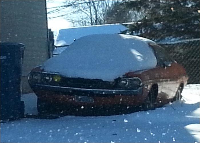 Dodge-Challenger-snow-front