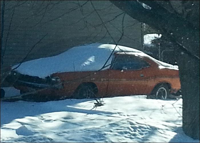 Dodge-Challenger-snow-side