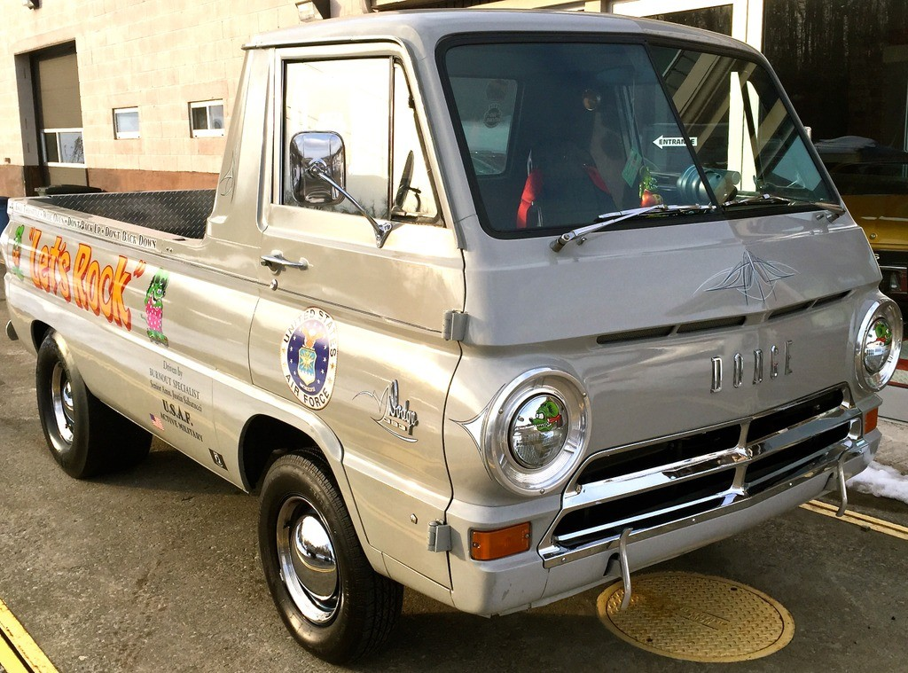 1964-Dodge-A100-3qtr