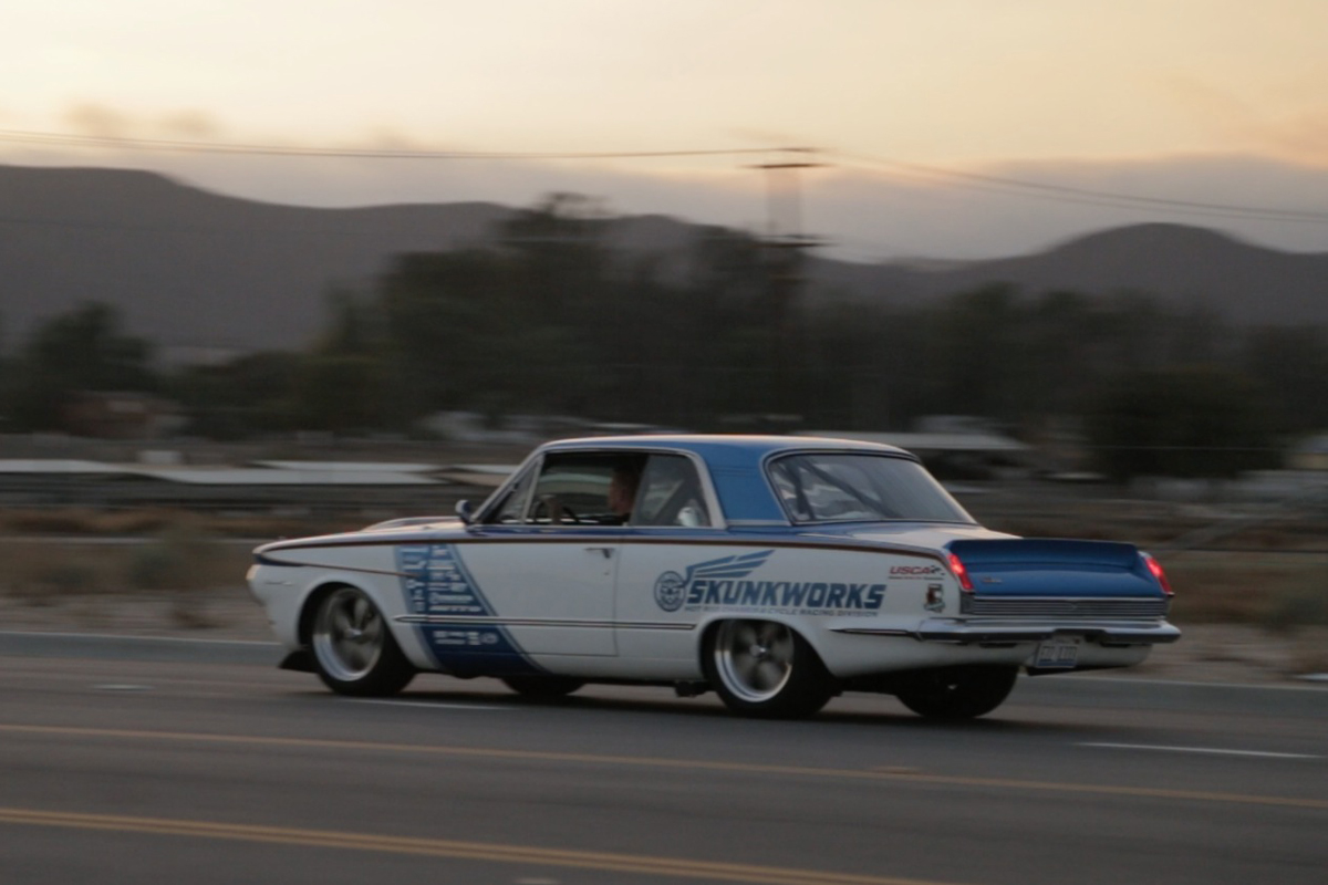 1964-Plymouth-Violent-Valiant-3qtr-rear-2