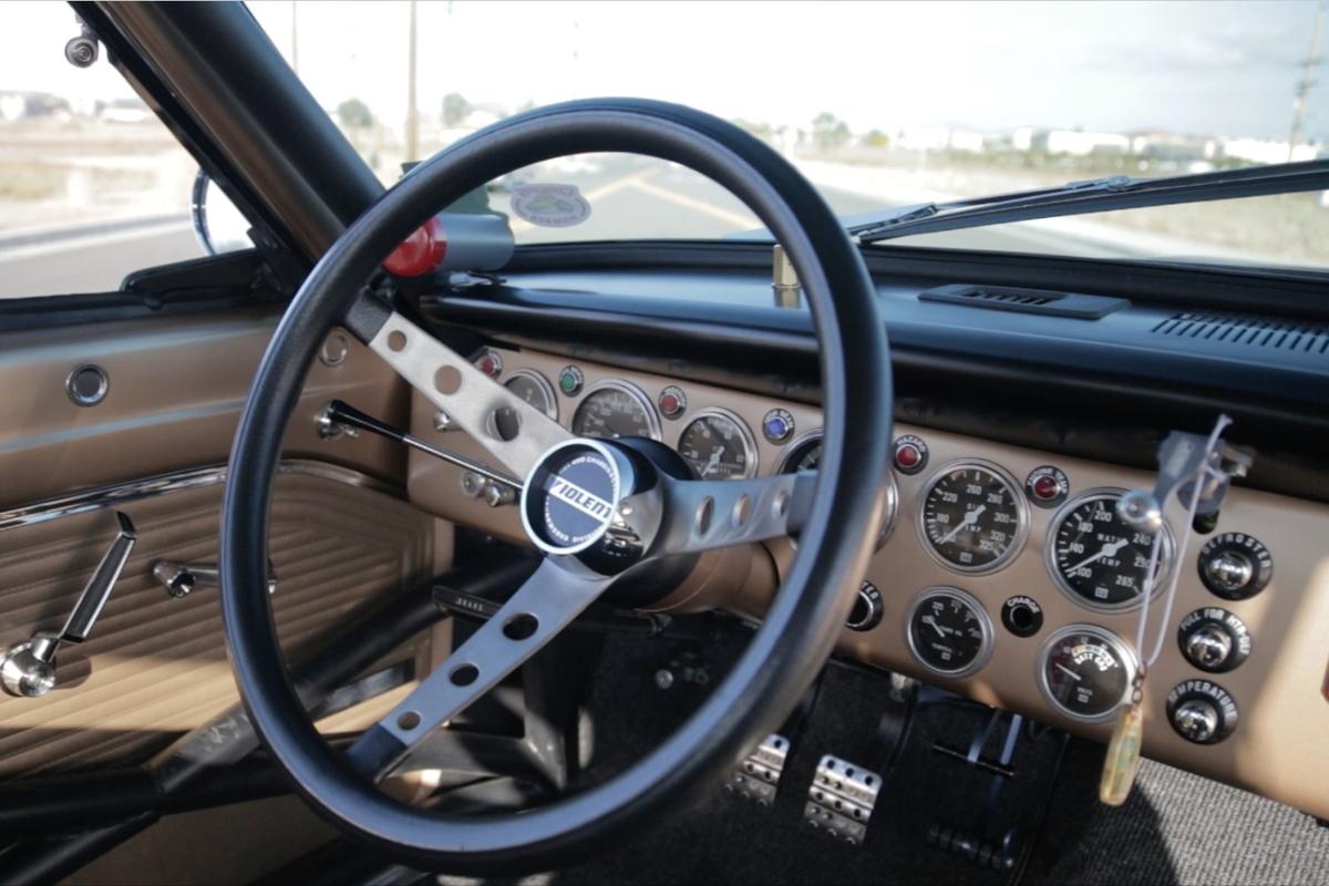 1964-Plymouth-Violent-Valiant-dash