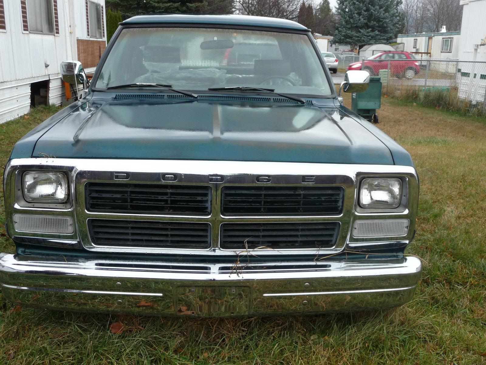 1993-Dodge-Pickup-front