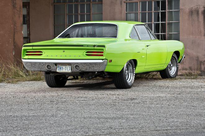 1970-plymouth-roadrunner-3qtr-rear