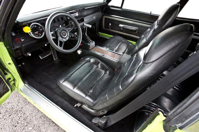 1970-plymouth-roadrunner-interior