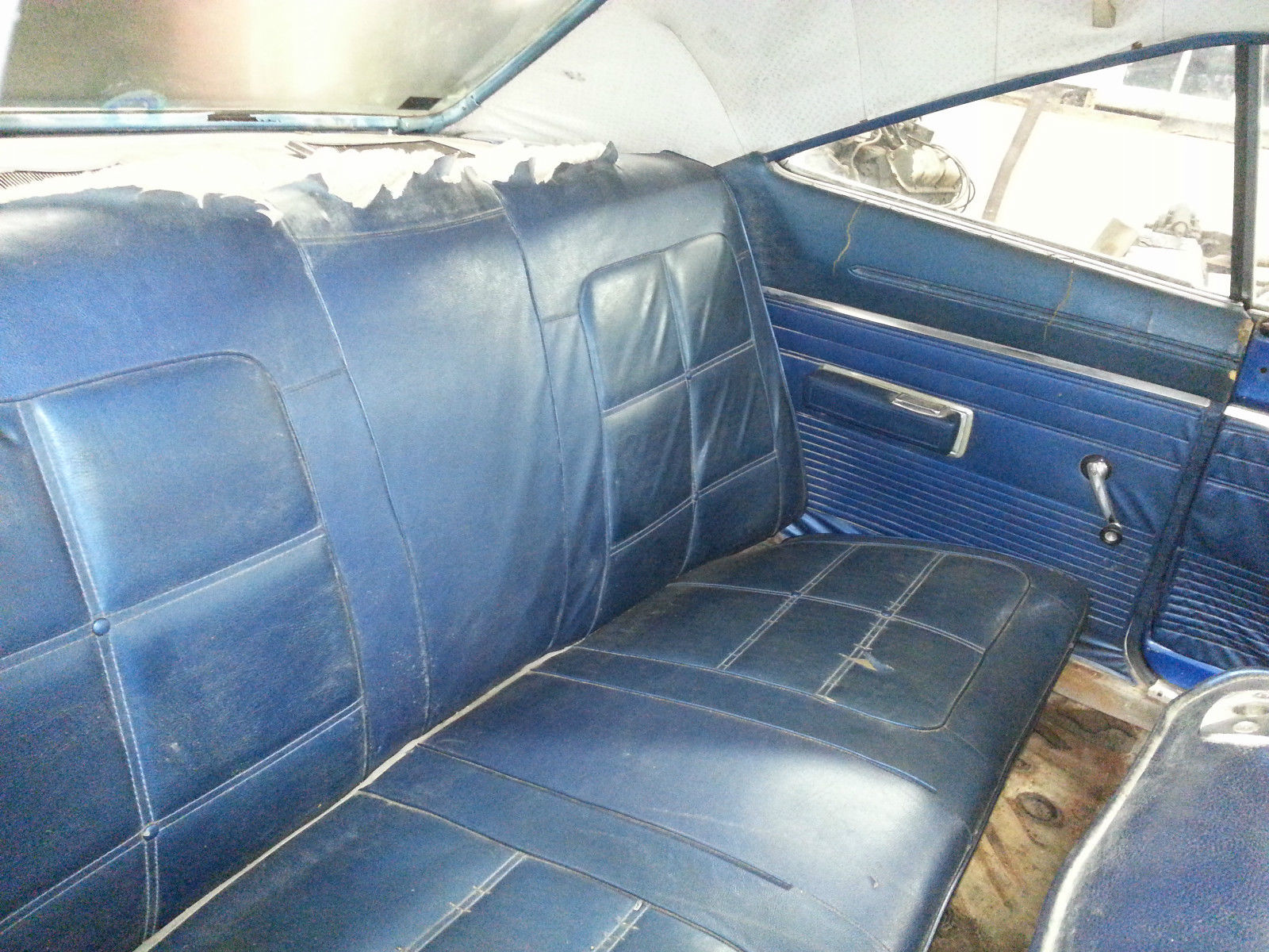 1968-Dodge-Charger-interior-2