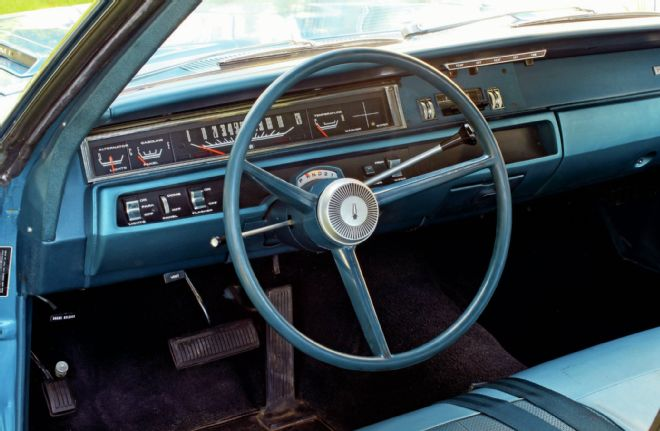 1968-plymouth-road-runner-hemi-interior-1969-dashboard