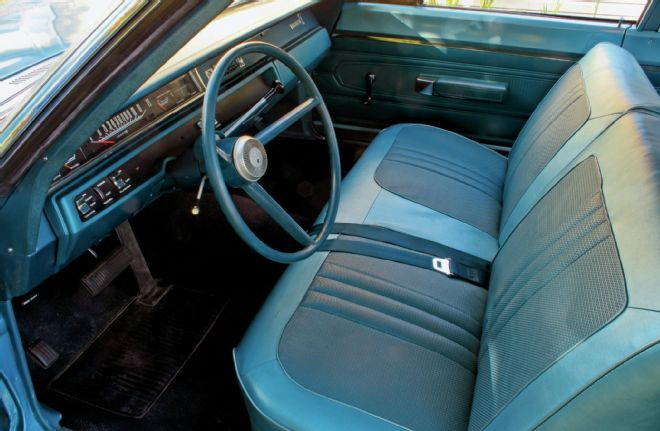 1968-plymouth-road-runner-hemi-interior