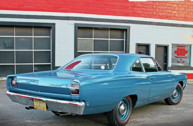 1968-plymouth-road-runner-hemi-rear-passenger-side