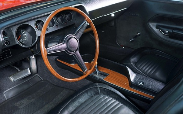 1970-Plymouth-Hemi-Cuda-interior