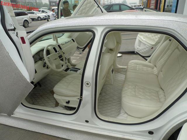 Chrysler-300-interior