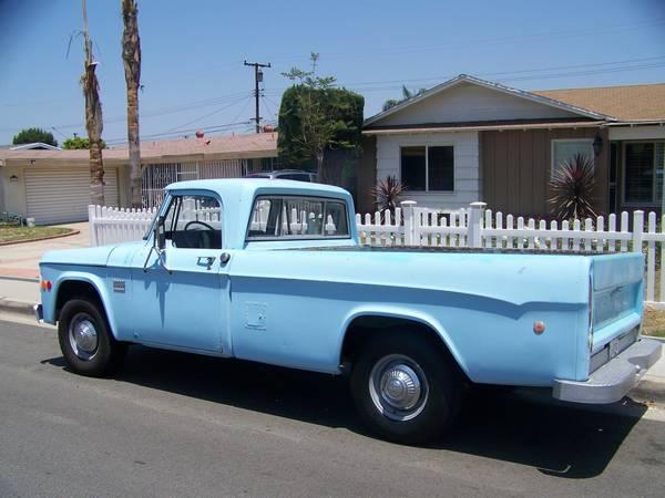 1969-Dodge-Camper-Special-3qtr-rear