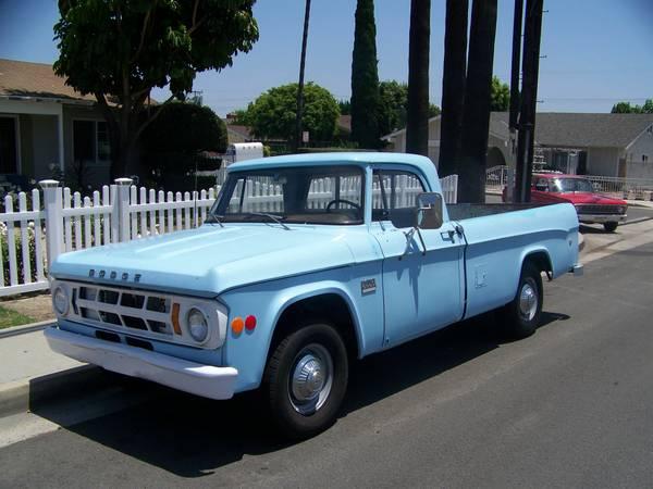 1969-Dodge-Camper-Special-3qtr