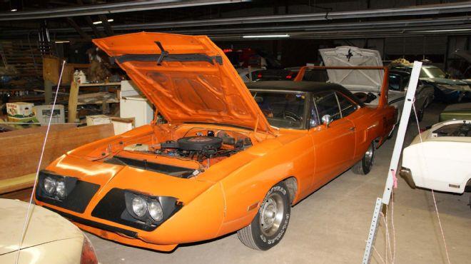 1970-Plymouth-Superbird-orange-3qtr