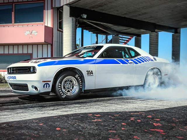 Dodge-Drag-Pak-Challenger-launch