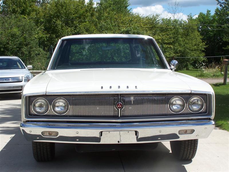 1967-Dodge-Coronet-front