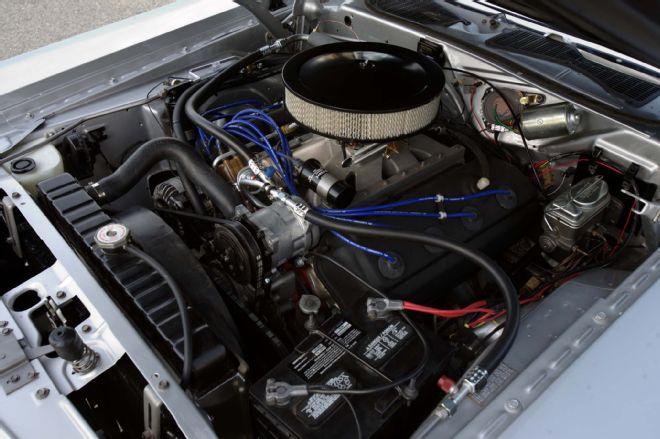1971-dodge-challenger-hemi-garage-built-larry-003-lpr