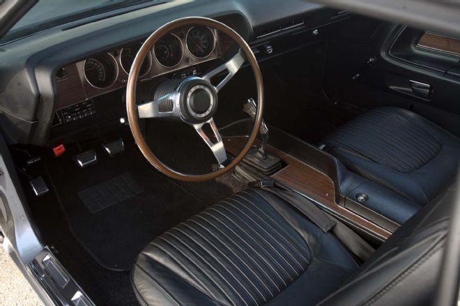 1971-dodge-challenger-hemi-garage-built-larry-065-lpr