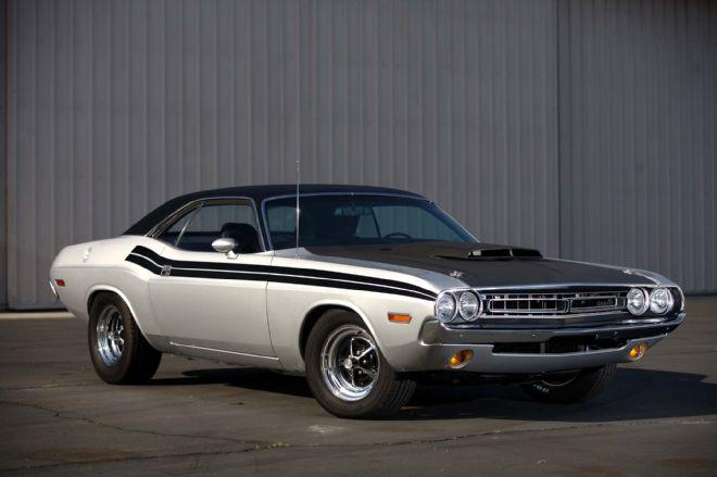 1971-dodge-challenger-hemi-garage-built-larry-073-lpr