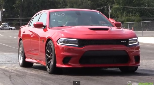 2015-Dodge-Charger-Hellcat