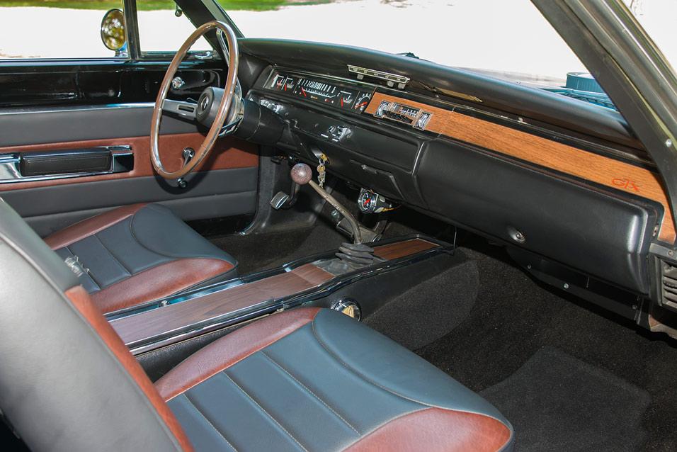 1968-Plymouth-GTX-interior
