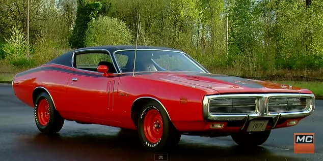 1971-Dodge-Hemi-Charger-pilot-car