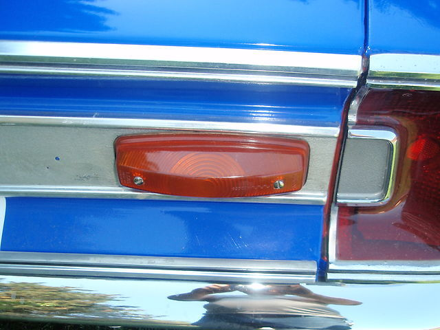 1967-Plymouth-Barracuda-signal-light