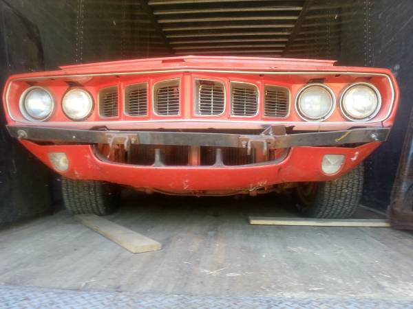 1971-Plymouth-Cuda-front