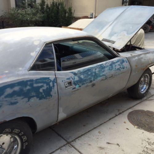1970-Plymouth-Barracuda-side-2