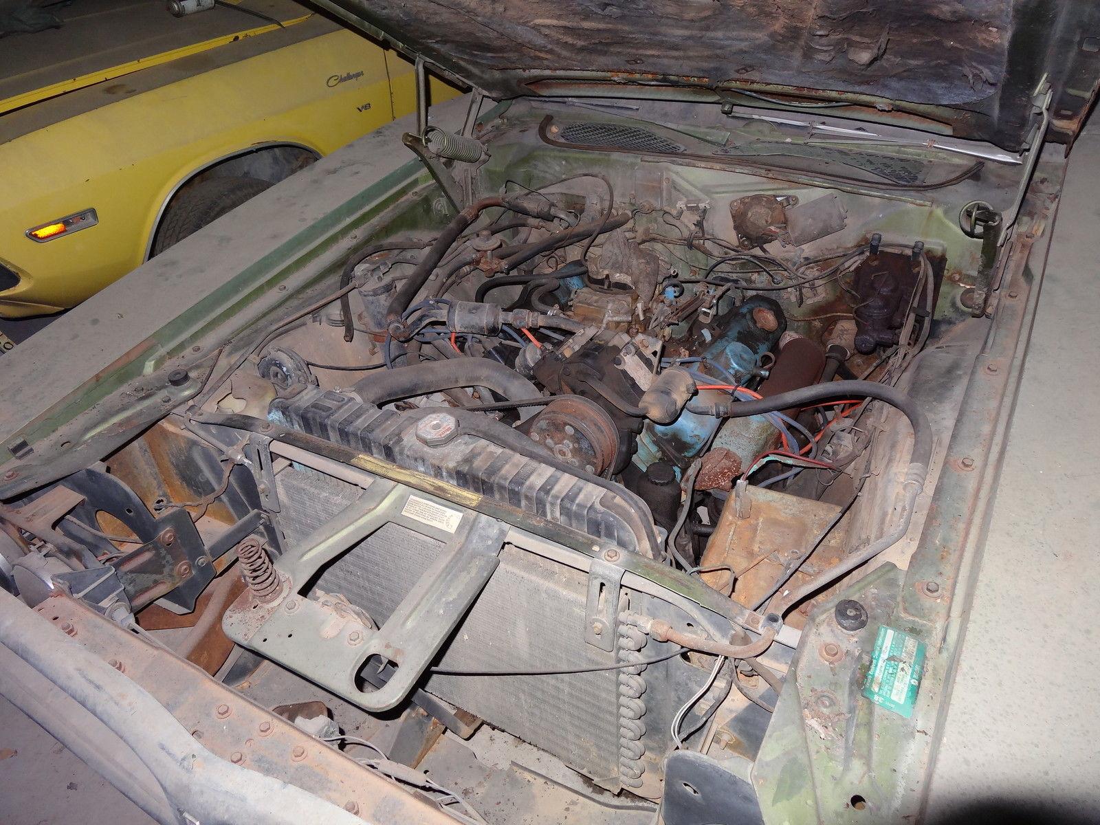 1971-Dodge-Charger-SE-barnfind-383