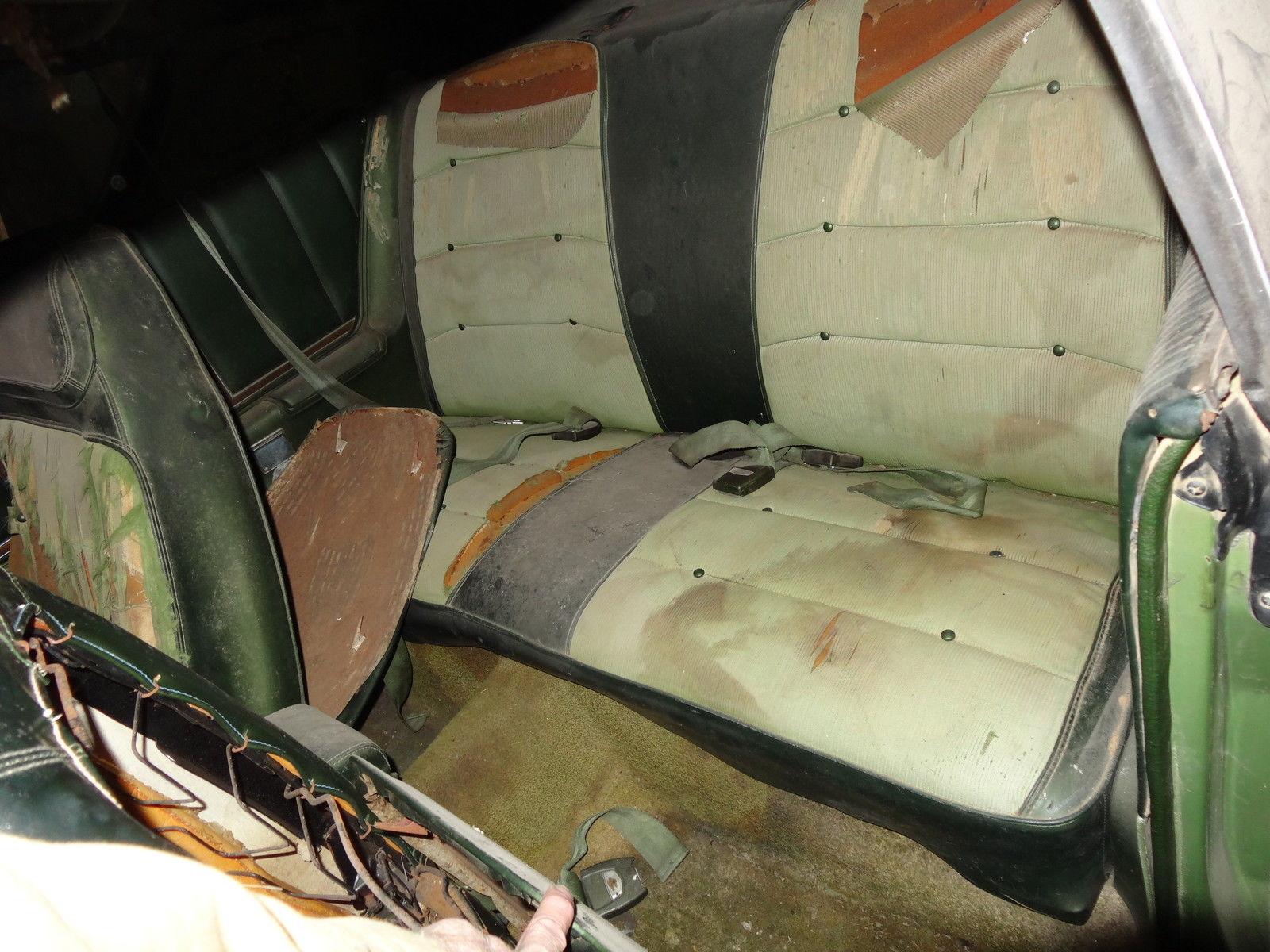 1971-Dodge-Charger-SE-barnfind-interior-2