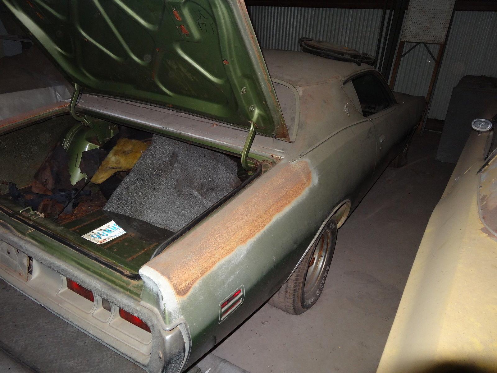 1971-Dodge-Charger-SE-barnfind-rear