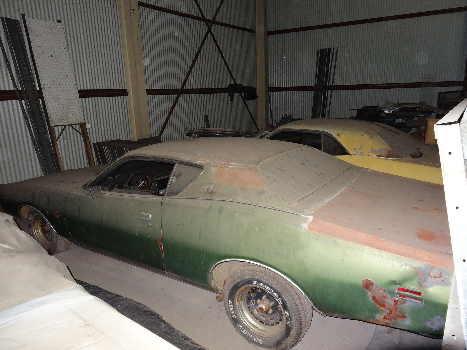 1971 Dodge Charger SE Barnfind Side