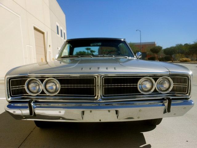1966-Dodge-Coronet-Hemi-front