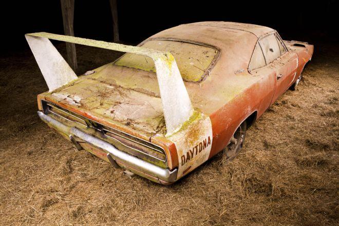 1969-Dodge-Daytona-3qtr-rear