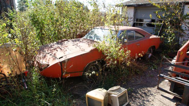 1969 Dodge Daytona Barn Find 3qtr 2