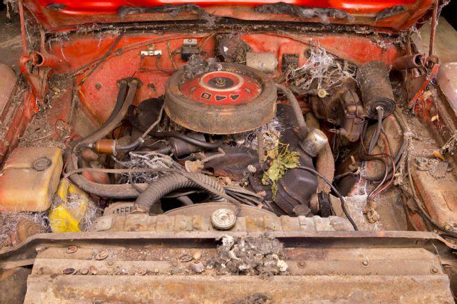 1969-Dodge-Daytona-engine